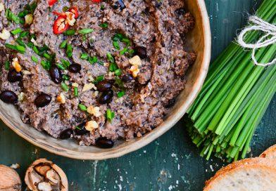 RECEPT: Paštika z černých fazolí a pečené hlívy