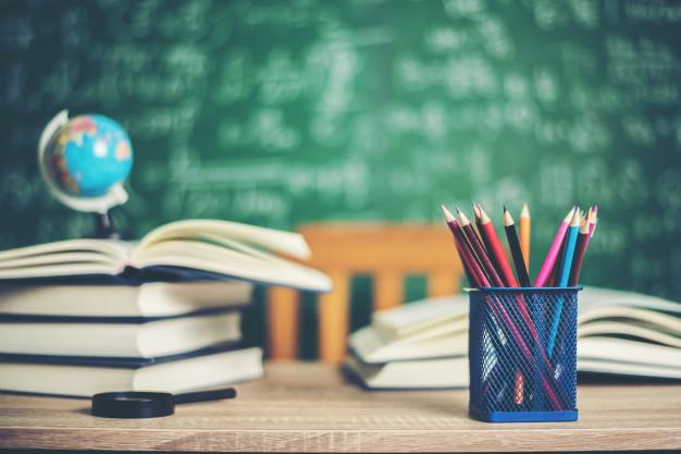Semily: Petice, podpora ředitele semilské Waldorfské školy, děti do školy bez roušek i pokojné setkání na podporu v pondělí 19. dubna