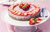 Jahodový cheesecake – raw